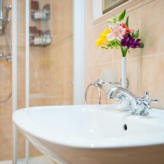 Гостиница Подол Плаза Киев ванная