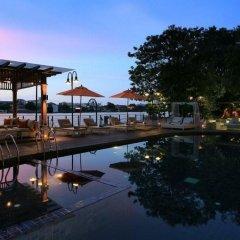 Отель Riva Surya Bangkok бассейн фото 3