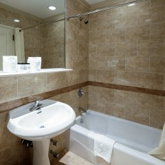 Отель Wellington Hotel США, Нью-Йорк - 10 отзывов об отеле, цены и фото номеров - забронировать отель Wellington Hotel онлайн ванная