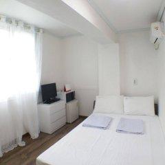 Отель Shinchon Hongdae Guesthouse комната для гостей фото 4