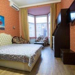 Отель Rymarska Aparthotel Харьков сейф в номере