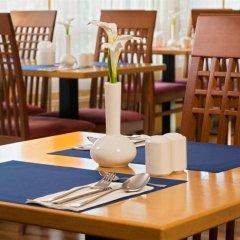 Отель Park Inn by Radisson Uno City Vienna Австрия, Вена - 4 отзыва об отеле, цены и фото номеров - забронировать отель Park Inn by Radisson Uno City Vienna онлайн питание фото 2