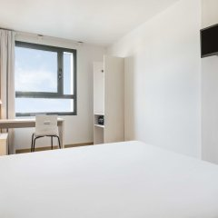 Отель Ilunion Valencia 3 Валенсия комната для гостей фото 2