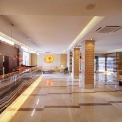 Отель Zafiro Tropic интерьер отеля