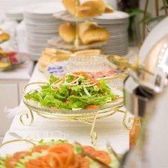Отель Hanoi Legacy Hotel - Hoan Kiem Вьетнам, Ханой - отзывы, цены и фото номеров - забронировать отель Hanoi Legacy Hotel - Hoan Kiem онлайн питание фото 3