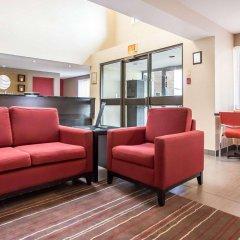 Отель Comfort Inn Kirkland Lake интерьер отеля
