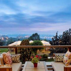 Hilton Istanbul Bosphorus Турция, Стамбул - 5 отзывов об отеле, цены и фото номеров - забронировать отель Hilton Istanbul Bosphorus онлайн балкон