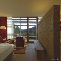 Отель Vigilius Mountain Resort Италия, Лана - отзывы, цены и фото номеров - забронировать отель Vigilius Mountain Resort онлайн комната для гостей фото 2
