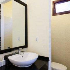 Отель Loc Phat Homestay Хойан ванная