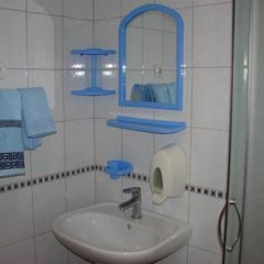 Гостиница Shakhtarochka Hotel Украина, Донецк - 7 отзывов об отеле, цены и фото номеров - забронировать гостиницу Shakhtarochka Hotel онлайн ванная фото 2