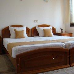 Отель Семеен хотел Елеганс Велико Тырново комната для гостей
