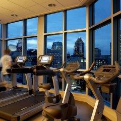 Отель Le Crystal Montreal Канада, Монреаль - отзывы, цены и фото номеров - забронировать отель Le Crystal Montreal онлайн фитнесс-зал фото 3