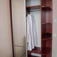 Pallada Hotel Тернополь сейф в номере