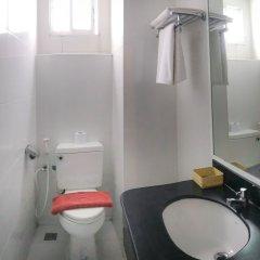 Отель J Two S Pratunam Бангкок ванная