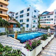 Отель Sutus Court 1 Паттайя бассейн фото 2
