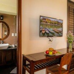 Отель Golden Peach Villa Hoi An удобства в номере