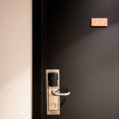Hotel Aris сейф в номере