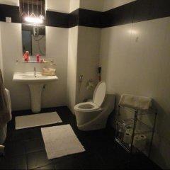 Отель Lucky Plaza Residencies Шри-Ланка, Коломбо - отзывы, цены и фото номеров - забронировать отель Lucky Plaza Residencies онлайн ванная