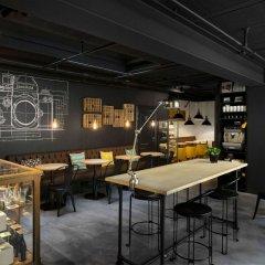 Zoom Hotel Брюссель гостиничный бар