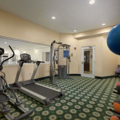 Отель Quality Inn & Suites Glenmont - Albany South фитнесс-зал
