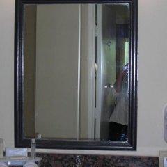 Отель Holiday Inn Express VAN NUYS США, Лос-Анджелес - отзывы, цены и фото номеров - забронировать отель Holiday Inn Express VAN NUYS онлайн ванная фото 2