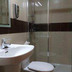 Отель Hostal Aeropuerto Мадрид ванная фото 2