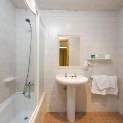 Отель Hostal Adelino ванная