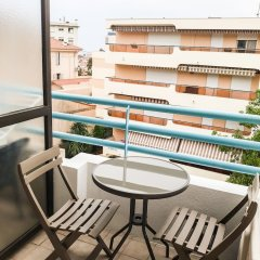 Отель Residhotel Les Coralynes Франция, Канны - 9 отзывов об отеле, цены и фото номеров - забронировать отель Residhotel Les Coralynes онлайн балкон
