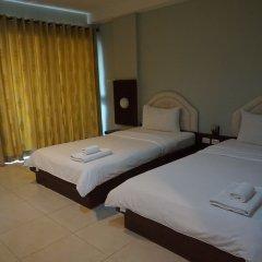 Suparee Park View Hotel сейф в номере