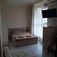 Гостиница Kvartira u morya 2 в Сочи отзывы, цены и фото номеров - забронировать гостиницу Kvartira u morya 2 онлайн комната для гостей