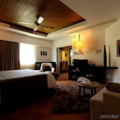 Отель Manathai Surin Phuket фото 11