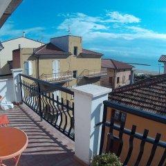 Hotel Birilli B&B Чивитанова-Марке балкон