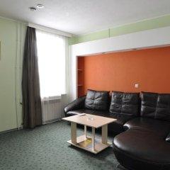 Гостиница Александр Хаус в Барнауле 1 отзыв об отеле, цены и фото номеров - забронировать гостиницу Александр Хаус онлайн Барнаул комната для гостей фото 5