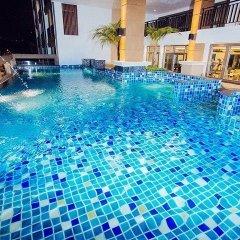 Отель March Hotel Pattaya Таиланд, Паттайя - 1 отзыв об отеле, цены и фото номеров - забронировать отель March Hotel Pattaya онлайн бассейн фото 3