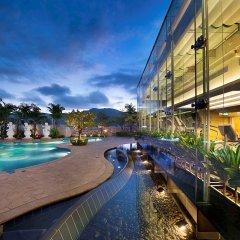 Отель Sofitel Macau At Ponte 16 бассейн