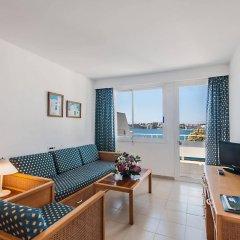 Отель Aparthotel Ponent Mar Испания, Пальманова - 1 отзыв об отеле, цены и фото номеров - забронировать отель Aparthotel Ponent Mar онлайн комната для гостей