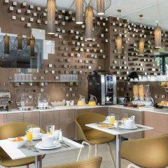 Hotel Eiffel Segur гостиничный бар