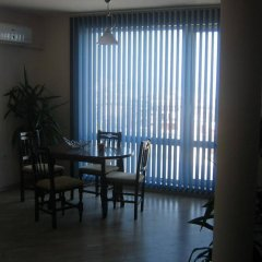 Апартаменты Sea View Apartments Свети Влас комната для гостей фото 4