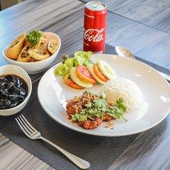 Отель Crystal Suites Suvarnabhumi Airport Бангкок гостиничный бар