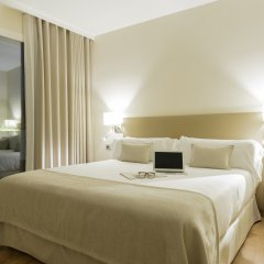 Отель Aparthotel Mariano Cubi Barcelona комната для гостей