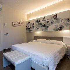 Park Hotel Morigi Гаттео-а-Маре сейф в номере