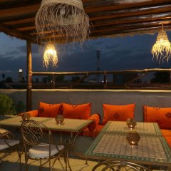 Отель Riad Atlas Quatre & Spa Марокко, Марракеш - отзывы, цены и фото номеров - забронировать отель Riad Atlas Quatre & Spa онлайн гостиничный бар