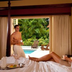Отель Sandals Ochi Beach Resort All Inclusive Couples Only в номере