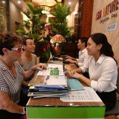 Отель The Artisan Lakeview Hotel Вьетнам, Ханой - 2 отзыва об отеле, цены и фото номеров - забронировать отель The Artisan Lakeview Hotel онлайн интерьер отеля фото 3