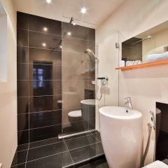 Отель Prague Castle Questenberk Apartments Чехия, Прага - отзывы, цены и фото номеров - забронировать отель Prague Castle Questenberk Apartments онлайн ванная
