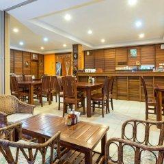 Отель Au Thong Residence гостиничный бар