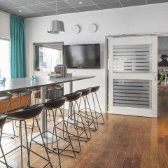 Отель Connect Hotel City Швеция, Стокгольм - 2 отзыва об отеле, цены и фото номеров - забронировать отель Connect Hotel City онлайн гостиничный бар фото 3