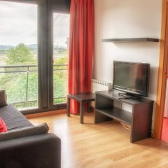 Отель Apartamentos Turísticos Bahía de Boó комната для гостей фото 5