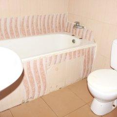 Отель Afara Castle Hotel Нигерия, Калабар - отзывы, цены и фото номеров - забронировать отель Afara Castle Hotel онлайн ванная фото 2