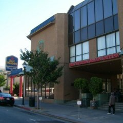 Отель Best Western Plus Dragon Gate Inn США, Лос-Анджелес - отзывы, цены и фото номеров - забронировать отель Best Western Plus Dragon Gate Inn онлайн парковка